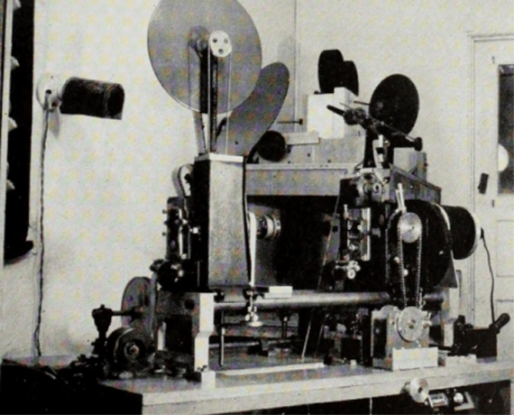 William Draper's optical printer of 1940, configured with a travelling matte in the camera head. Photograph: International Photographer, April 1940.