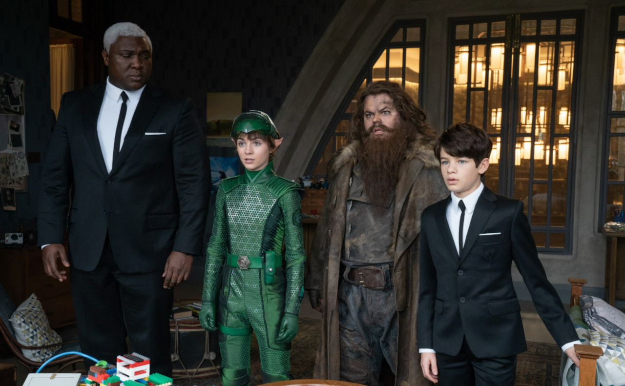 Artemis joins forces with Butler (Nonso Anozie), Holly (Lara McDonnell) and Mulch Diggums (Josh Gad) to repel a fairy attack on Fowl Manor.